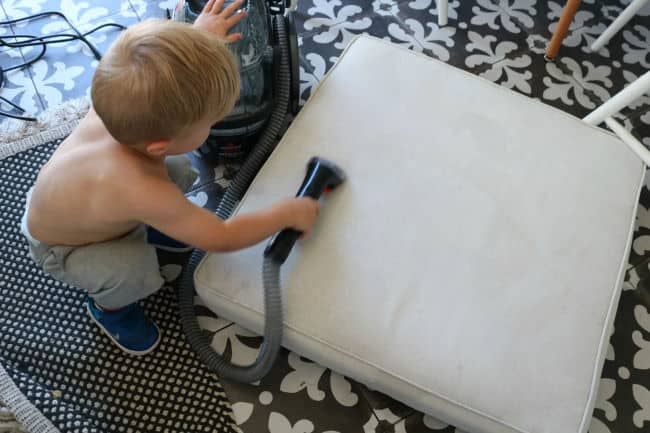 How to clean glider cushions easily