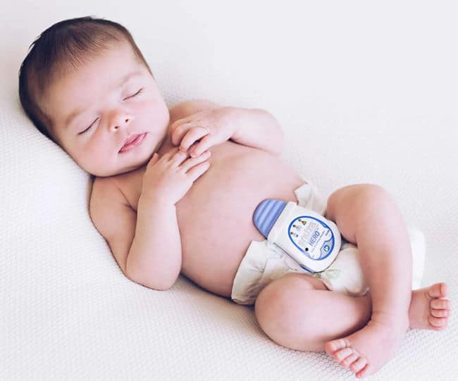 Snuza Hero Baby Monitor baby sleeping